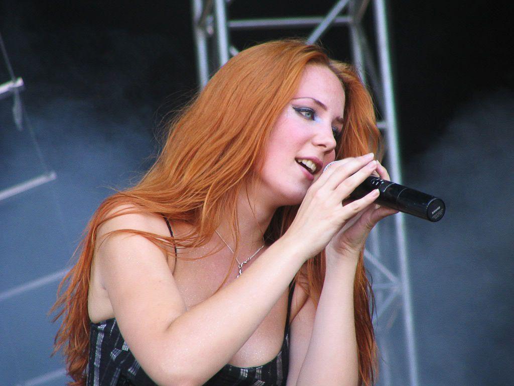 Самая сексуальная metal исполнительница