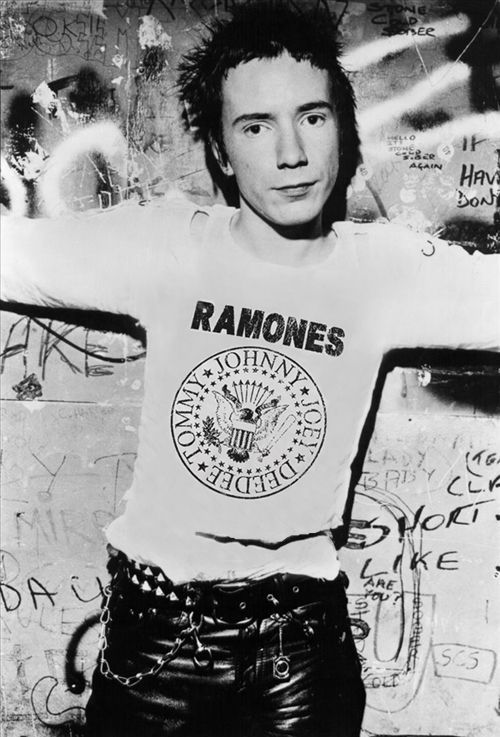 johnny-rotten-sex-pistols.jpg