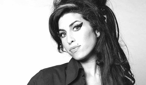 amy-winehouse-2017.jpg