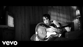 Marilyn Manson - God's Gonna Cut You Down (Official)