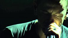 Linkin Park - Rolling In The Deep (Cover Chester Bennington) Live